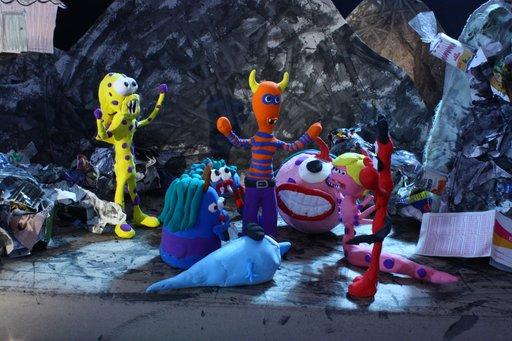 Imagen de Colmillos y el baño de los monstruos